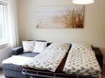 w1-wohnzimmer-schlafcouch